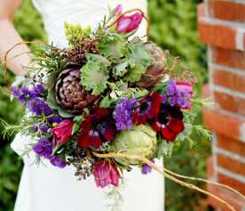 bouquet-artichokes-berries-lettuce