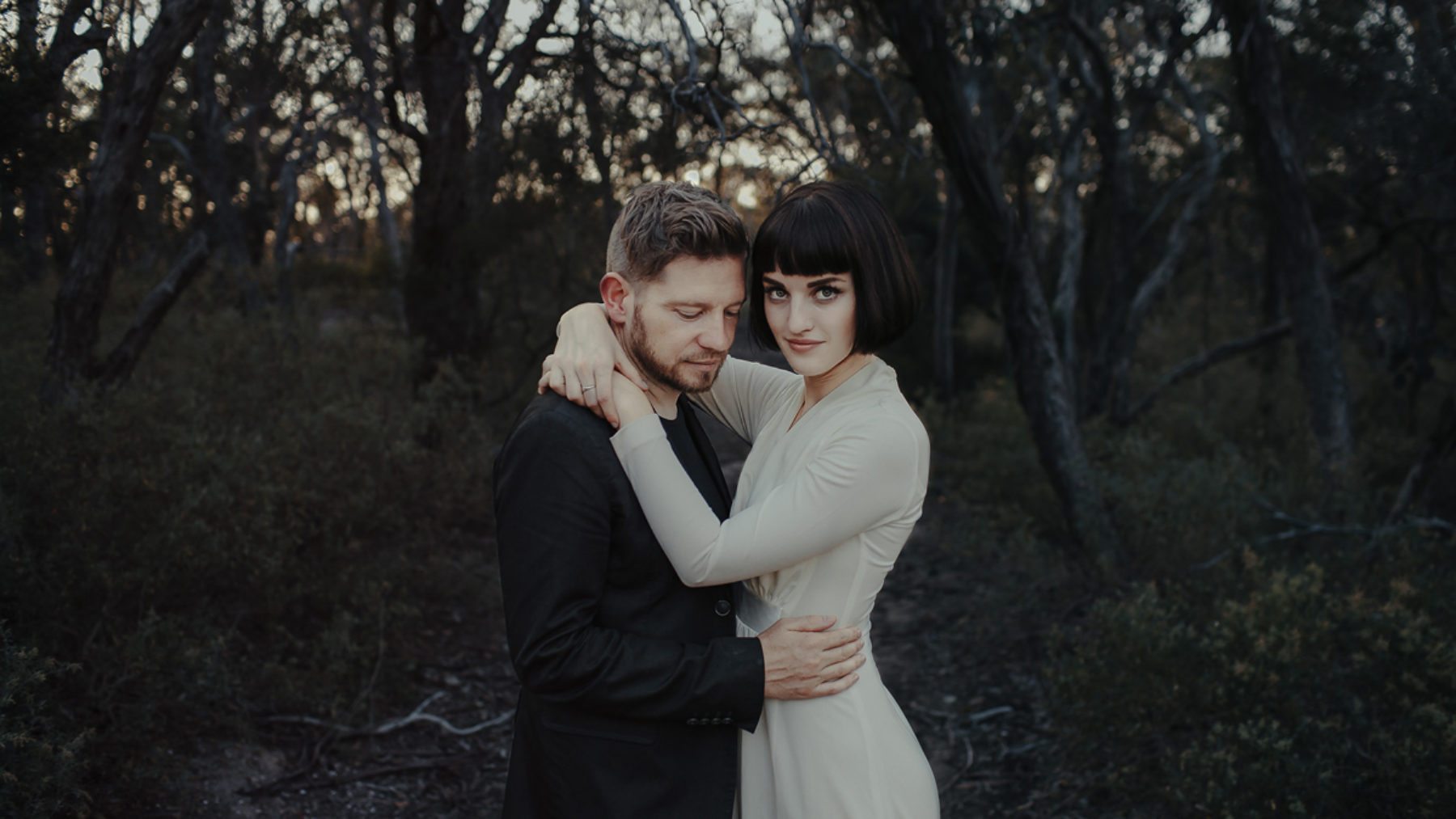 Oli Sansom - fine art Melbourne wedding photographer