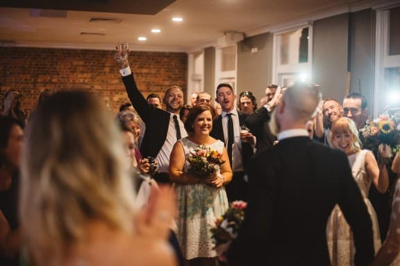 Industrial Transcontinental Hotel Wedding | Photography by Trent and Jessie