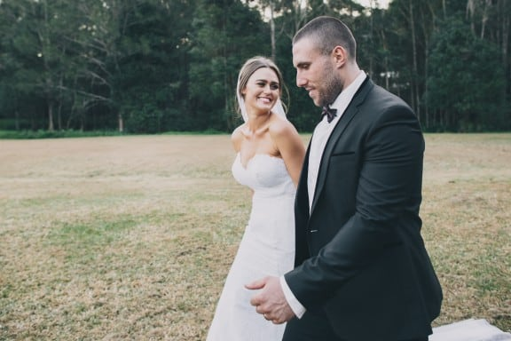 A vintage DIY country wedding   Photography by Zoe Morley