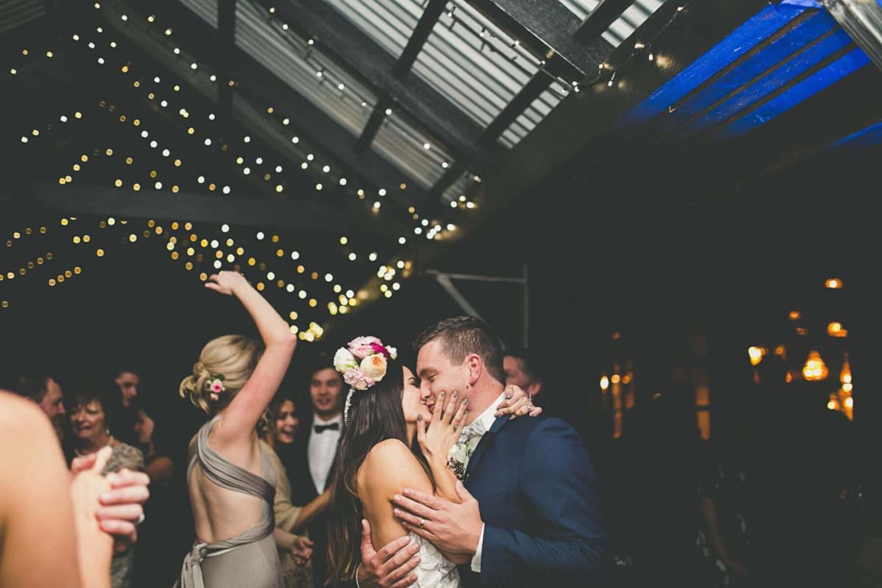A rustic Hunter Valley wedding at Roberts Circa 1876 | Photography by Kendell Tyne