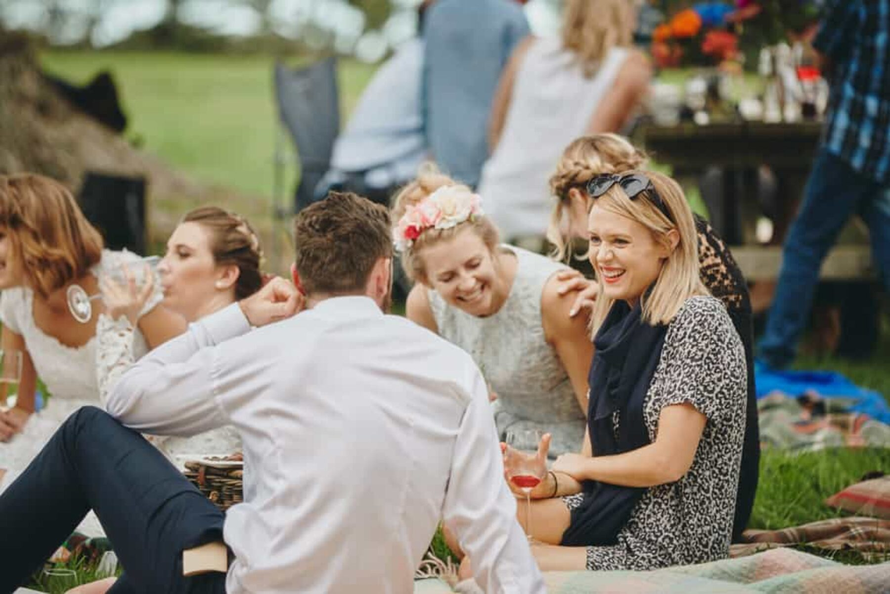 Relaxed picnic wedding, Aukland | Photography by A Couple of Night Owls