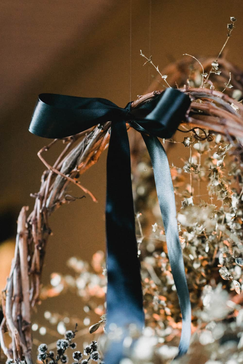 DIY Christmas wreath with dried flowers and wheat for an Australian Christmas