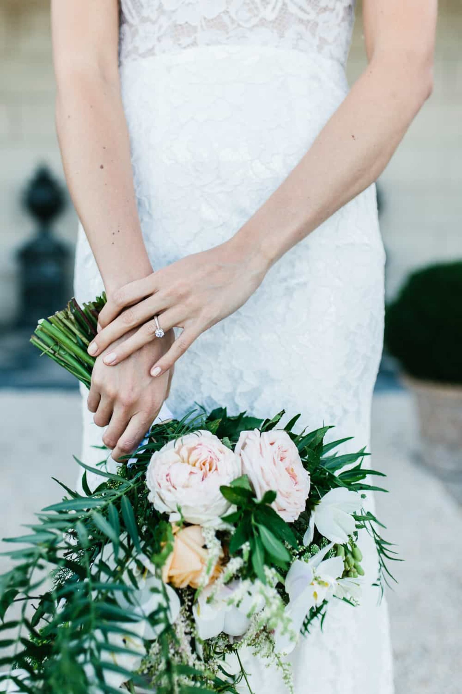 Modern pastel wedding bouquet