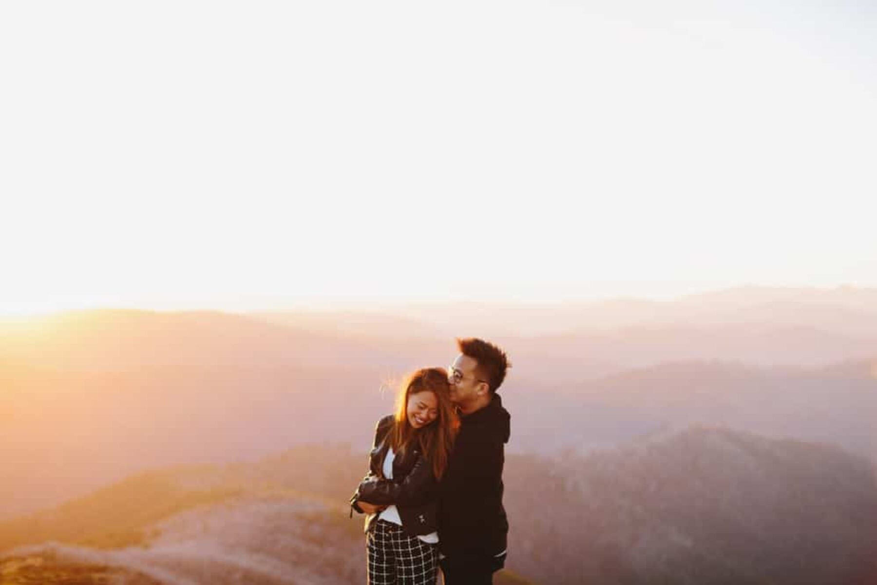 Mountain engagement shoot by Melbourne wedding photographer Jonathan Ong