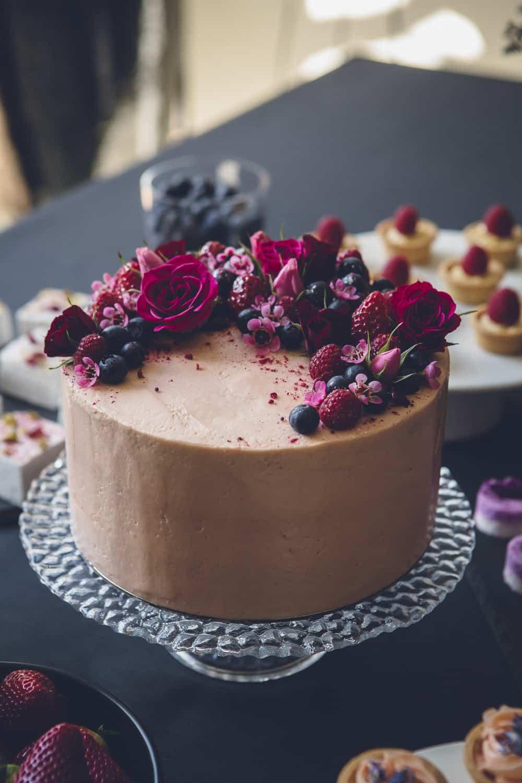 Liquor Barrel Cake | Barrel cake, Whiskey barrel cake, Cake