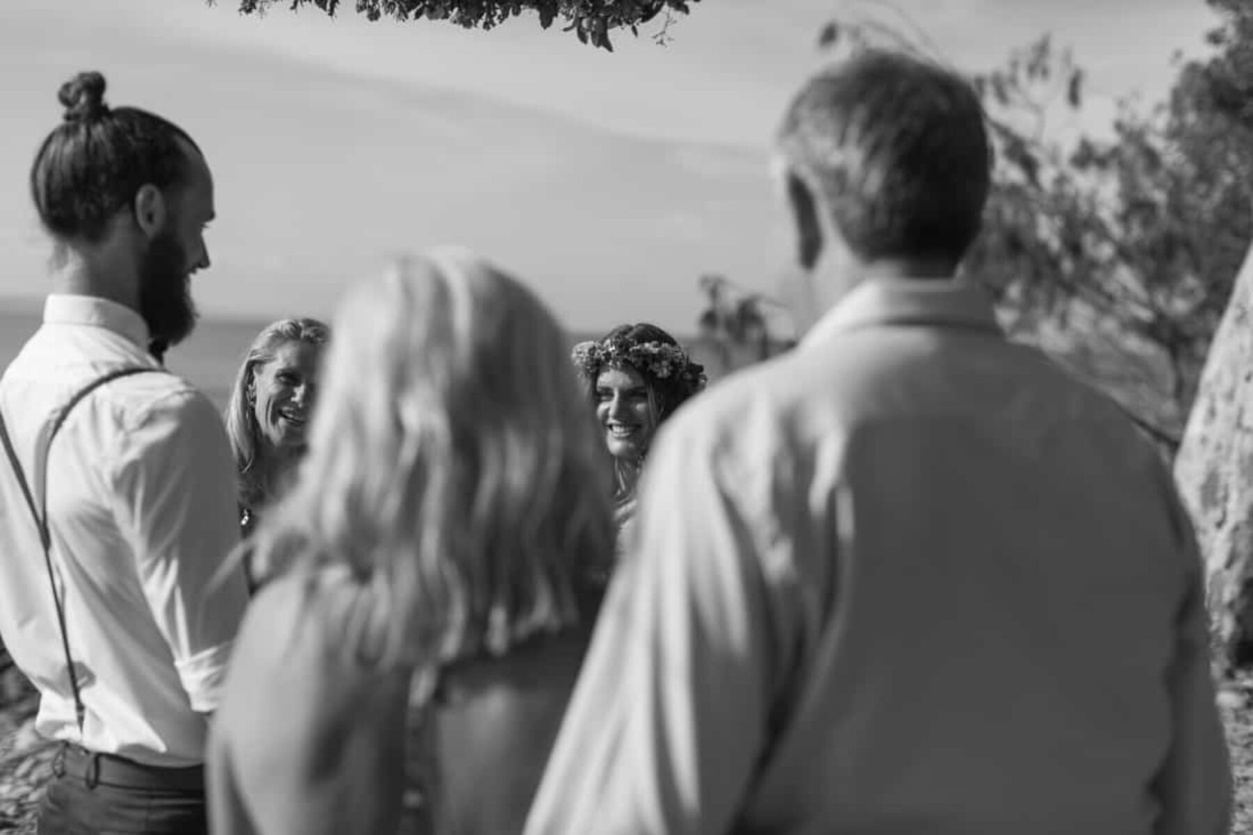 Barefoot beach elopement in Noosa - photography by Janneke Storm