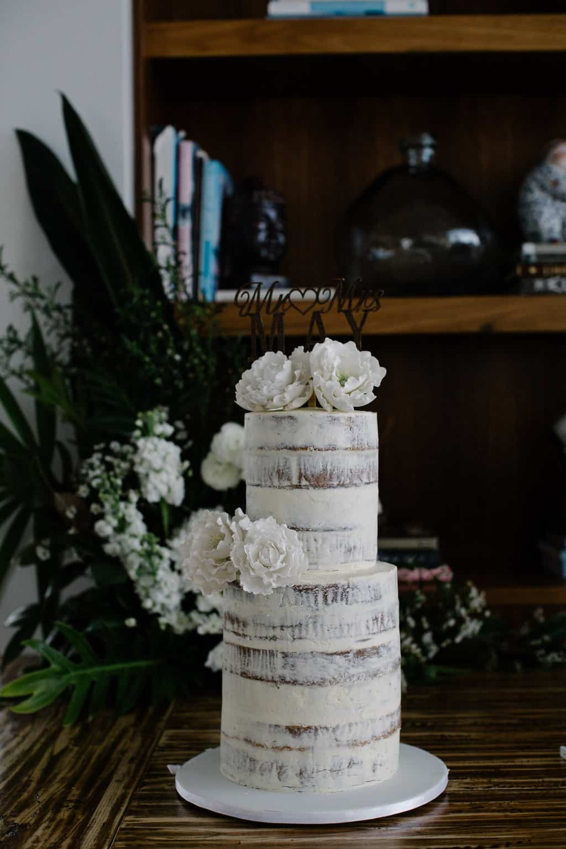 wedding cakes byron bay area chris amp s hinterland wedding at horizon nouba 24000
