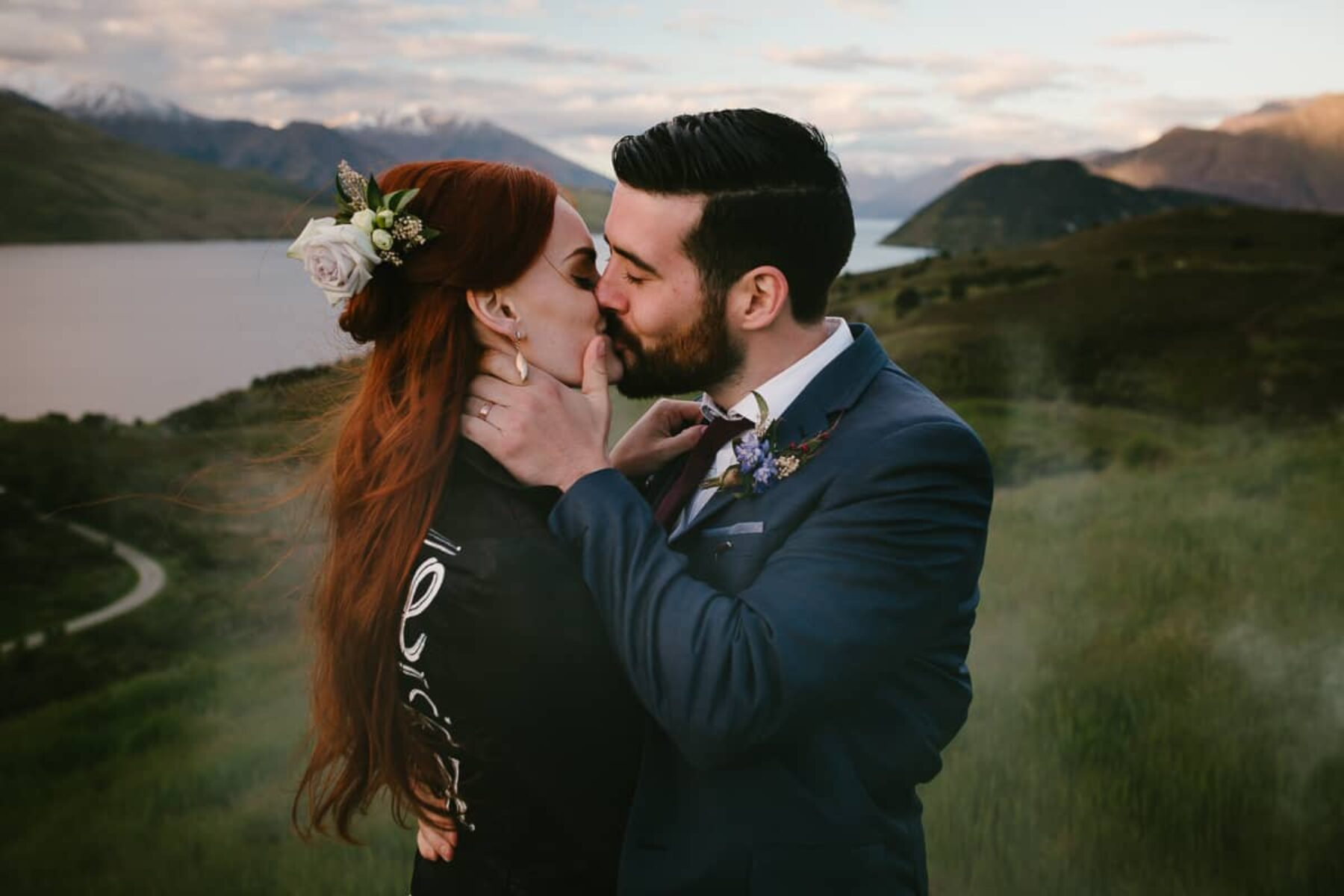 Majestic Lake Wanaka wedding by Bonnie Jenkins Photography