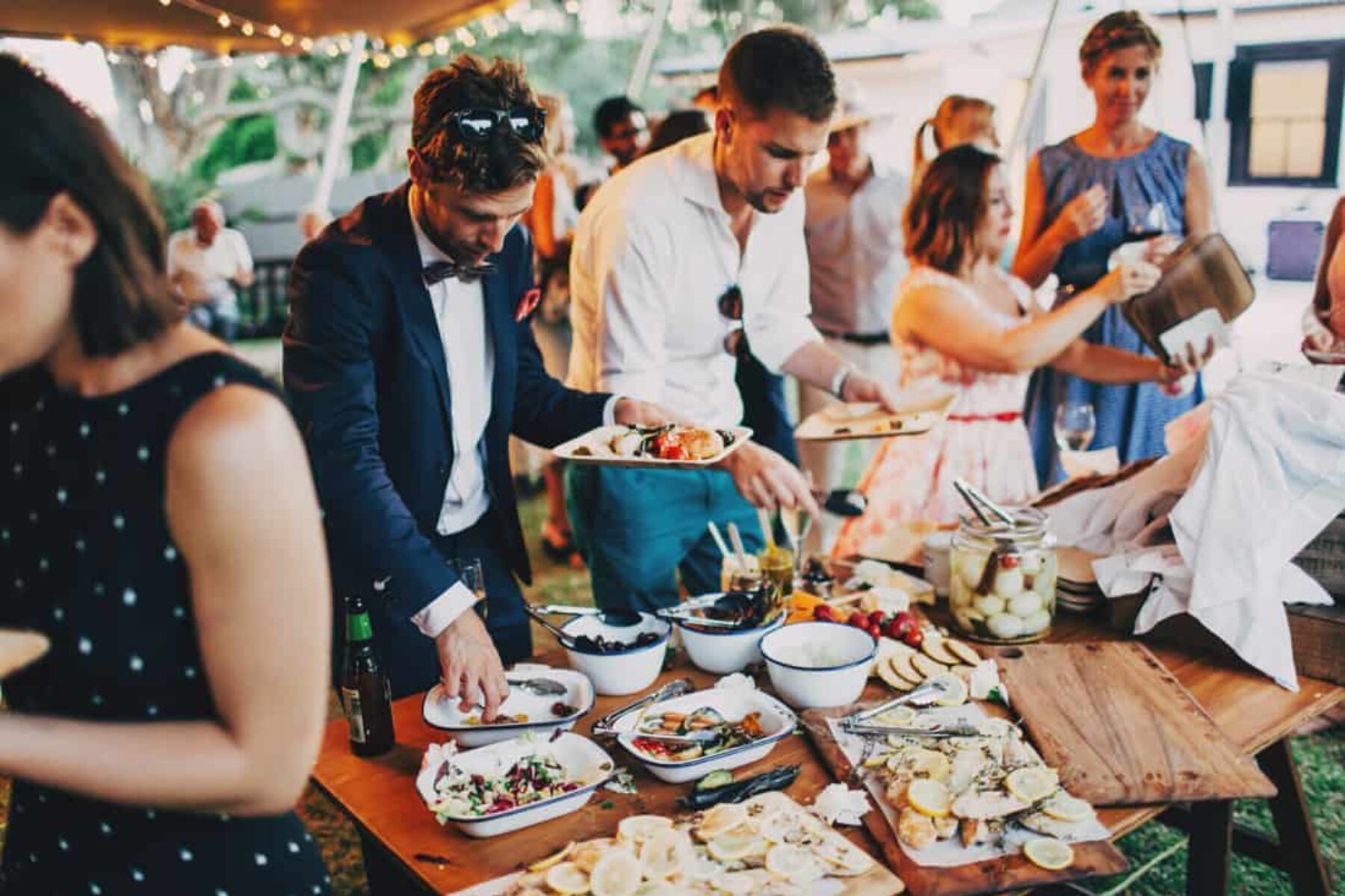 Posh picnic wedding at Centennial Park Sydney