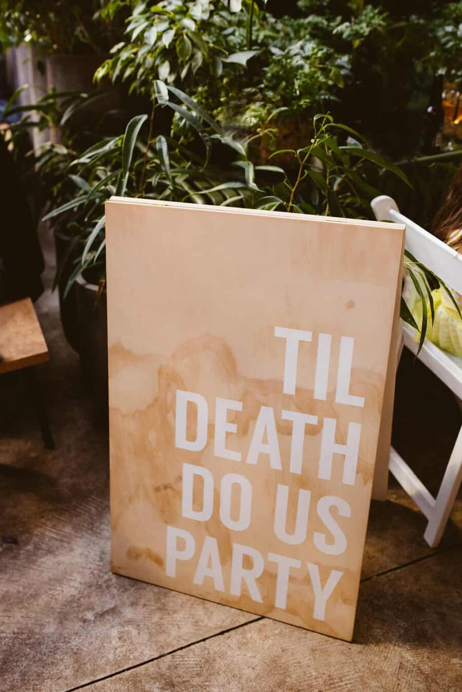 Modern DIY woodern wedding signage