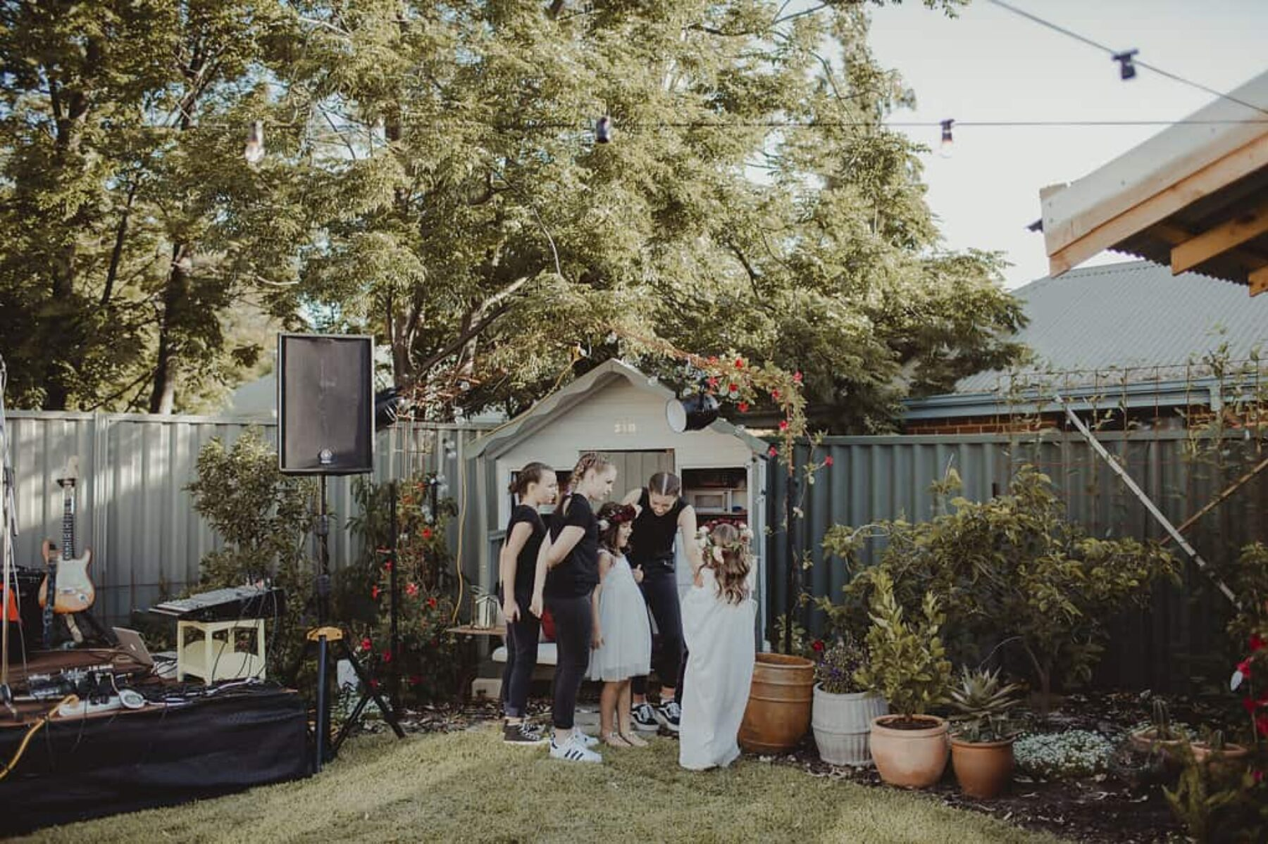 surprise backyard wedding by Nectarine Photography