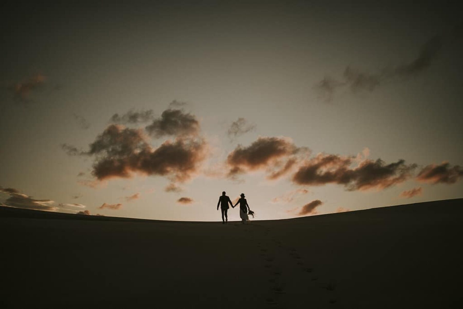 bohemian desert wedding in the Stockton Dunes, NSW Australia
