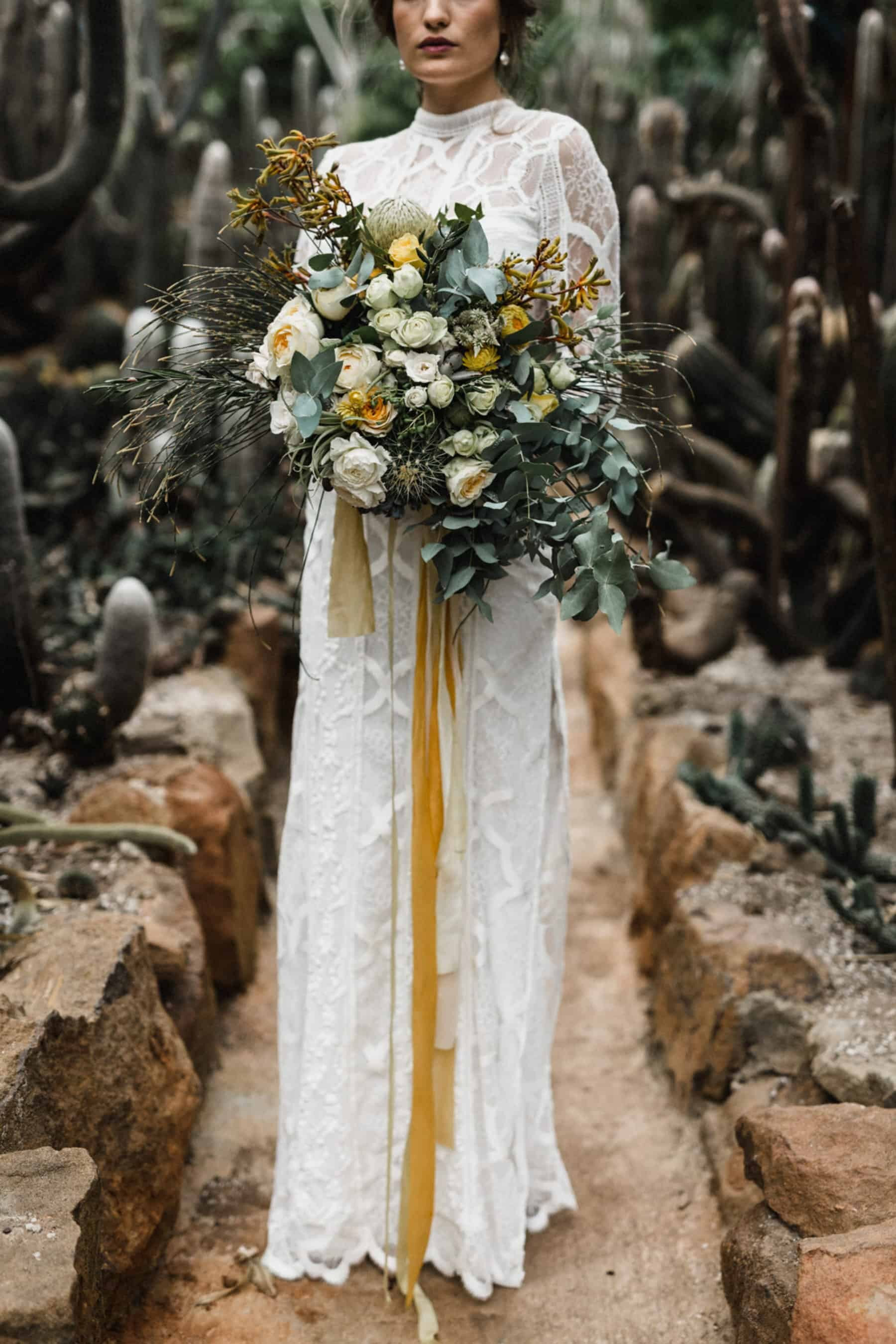 Best of 2017: bouquets | boho bride with muted yellow and green bouquet