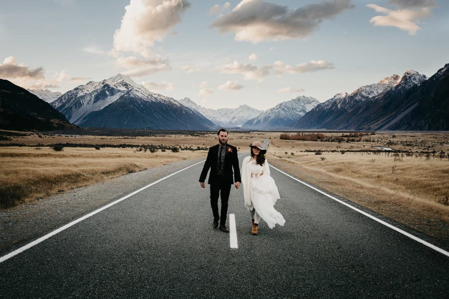 Helicopter Mountain Elopement in Aoraki / Mount Cook