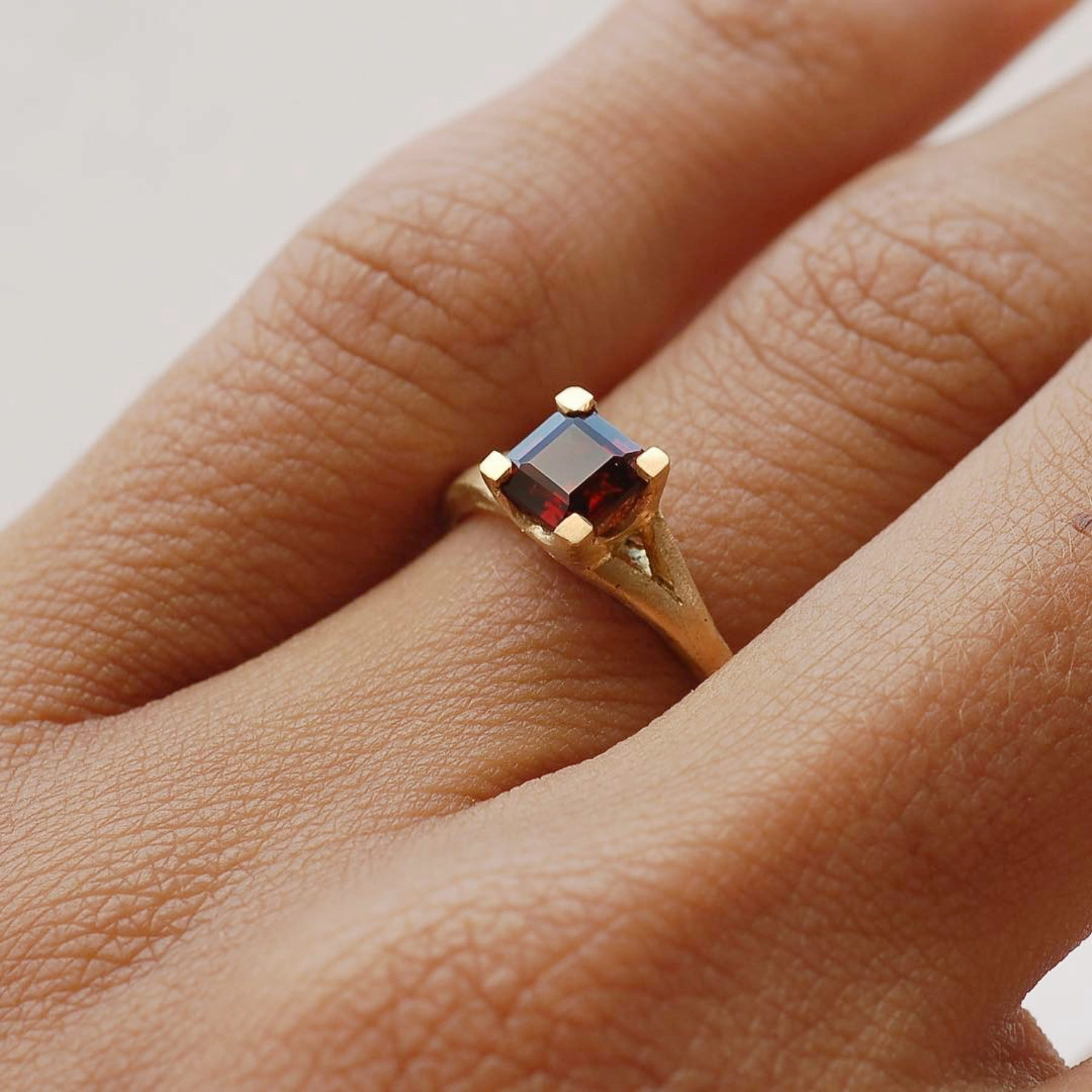 Red garnet and yellow gold