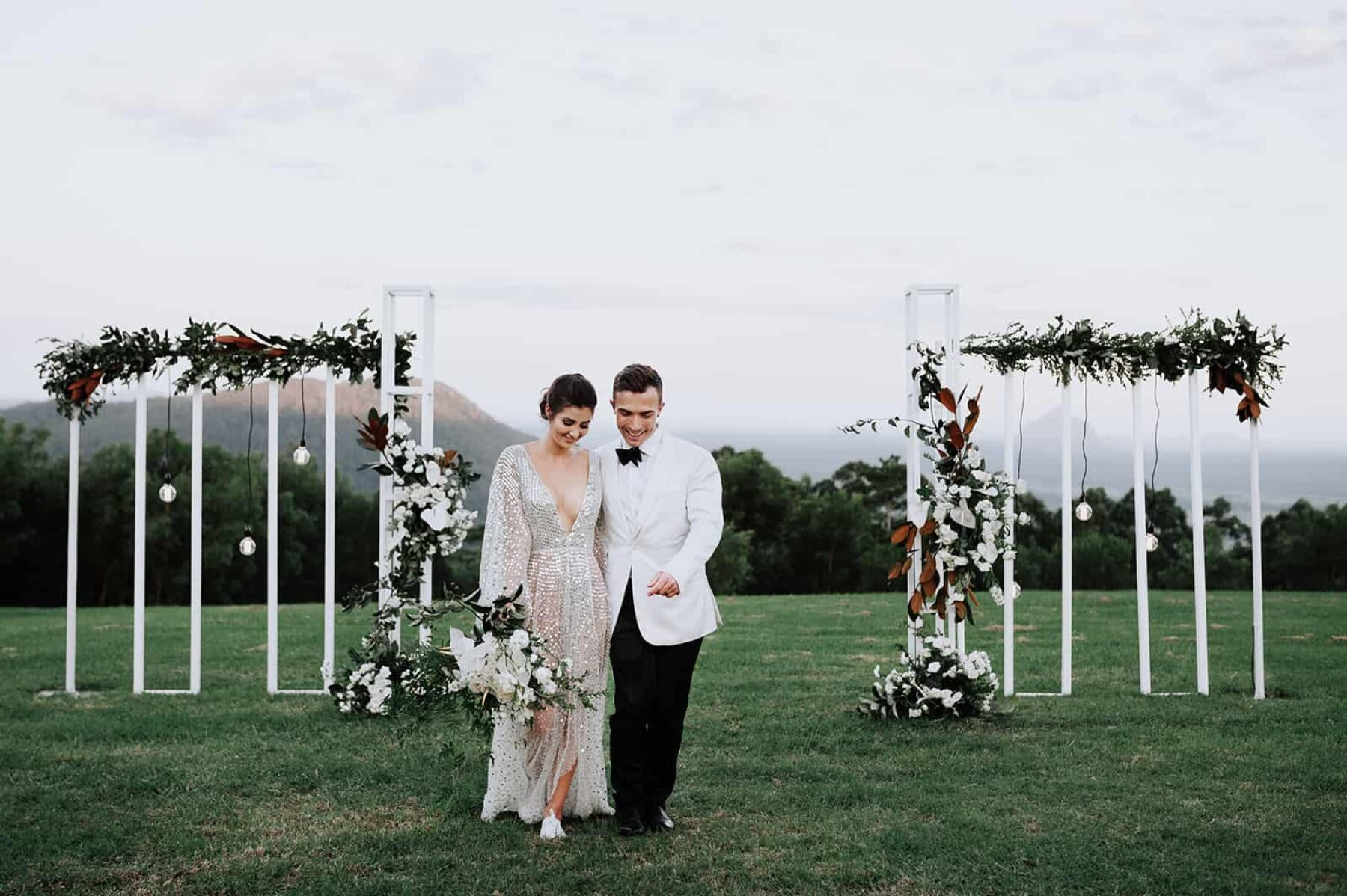 Luxe, modern wedding at Maleny Retreat, Sunshine Coast