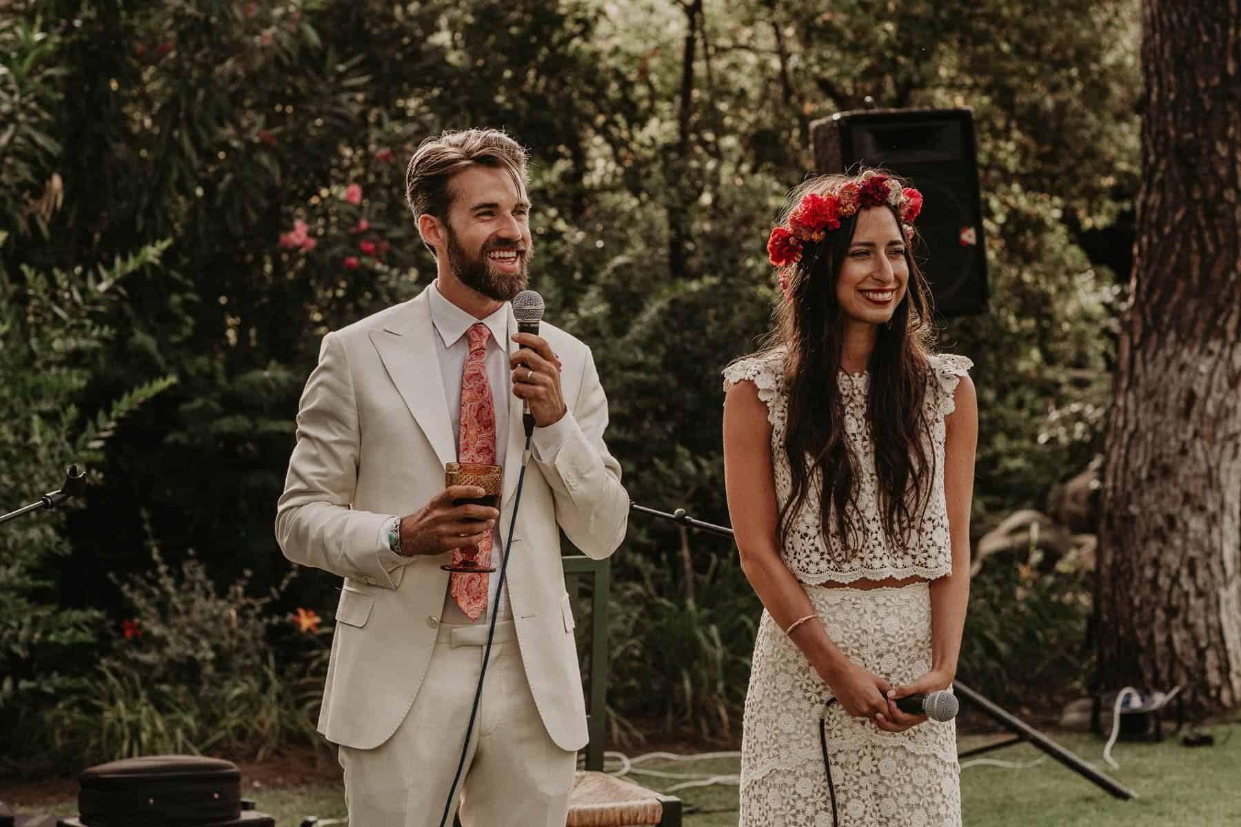 vibrant boho Mexican wedding in Spain / photography by Joy Zamora