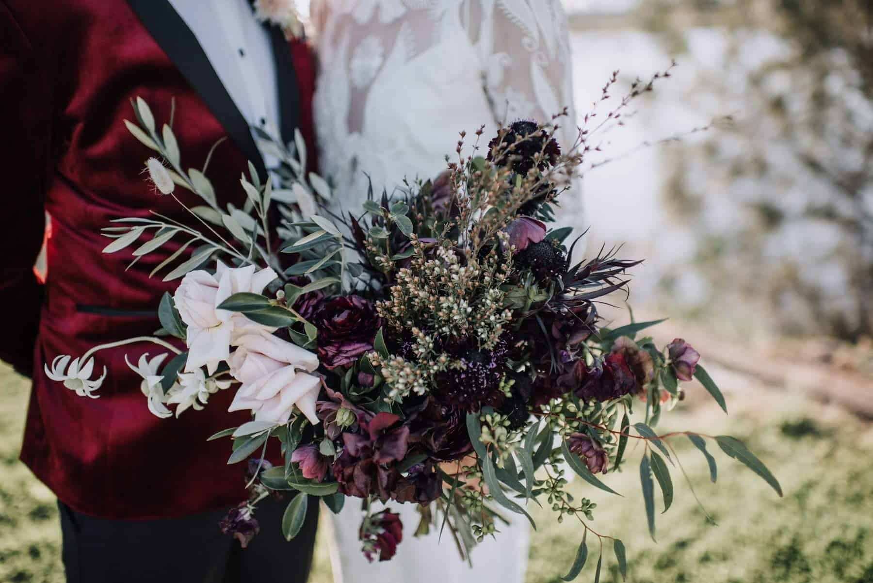 unstructured bridal with plum and blush flowers