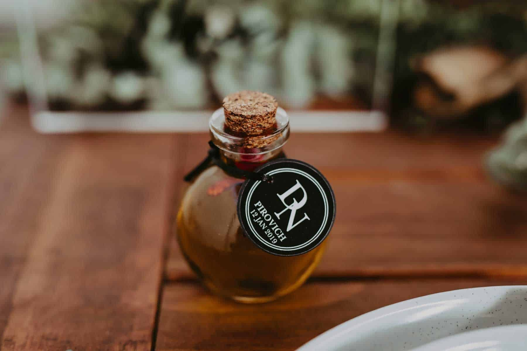 DIY chilli oil wedding favours