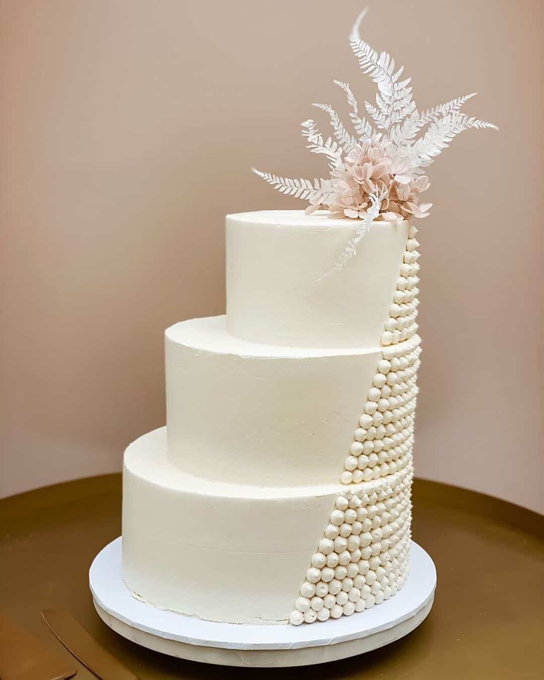 modern asymmetrical wedding cake